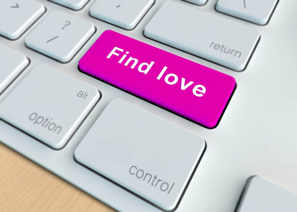 Scam marriage agencies and dating sites in Ukraine make money out of foreigners